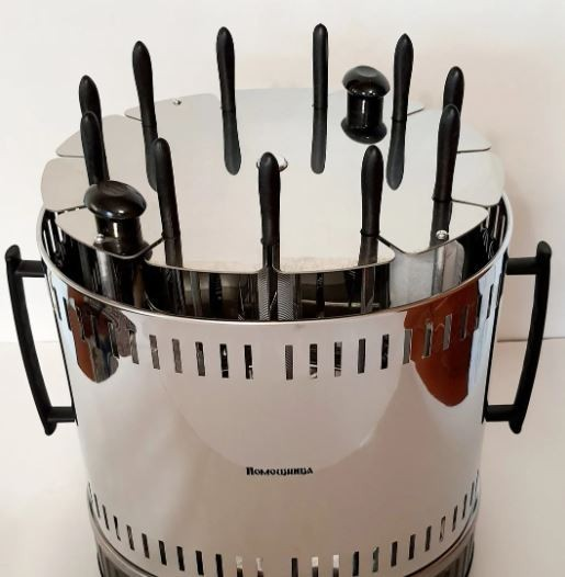 Електрошашличниця гриль на 11 шампурів з таймером і запасною колбою Помічниця - зображення 1