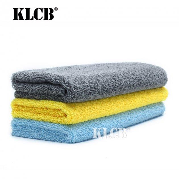 микрофибровым полотенцем