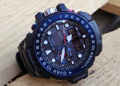 Чоловічий годинник CASIO GWN-1000B-1BER