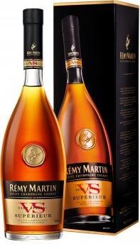 Коньяк Remy Martin Superieur VS0.7 л 40% в подарочной упаковке (3024480007462)