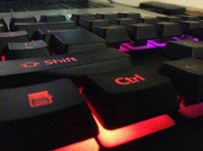 Игровая клавиатура проводная и мышь Zeus M-710