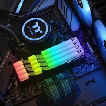 Модуль памяти для компьютера DDR4 16GB (2x8GB) 4400 MHz Toughram Black RGB ThermalTake (R009D408GX2-