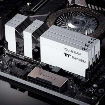 Модуль памяти для компьютера DDR4 16GB (2x8GB) 4400 MHz Toughram White ThermalTake (R020D408GX2-4400