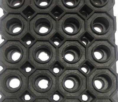 Брудозахисний килимок ЮВІГ гумовий 100х100х1.3 см (00000003874)