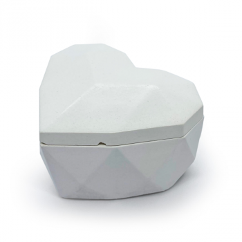Соевая арома-свечка в бетонном кашпо OSOKA Roses Heart 8х5 см (0015)