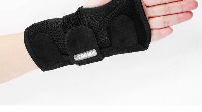 Бандаж на лучезапястный сустав AOLIKES с пластинами жесткости на левую руку 01449