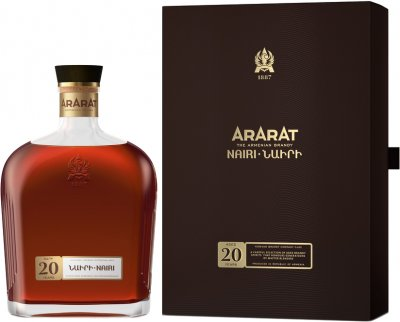 Бренді ARARAT Наірі 20 років витримки 0.7 л 40% в подарунковій упаковці (4850001002130)