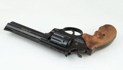 Револьвер Zbroia PROFI 4.5 (бук/черный)