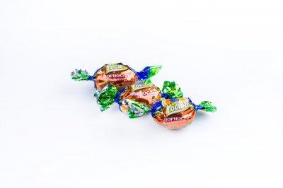 Натуральные органические шоколадные конфеты Росичи Чернослив с орехом (Чорнослив з горіхом), 1 кг