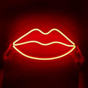 Неоновий світильник Neon Lightning «Губи»