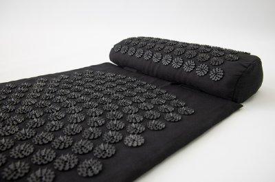 Масажний килимок і валик 2в1 (аплікатор Кузнєцова) масажер для ніг/спини/шиї/тіла FitUp (F-00001) Чорно-чорний
