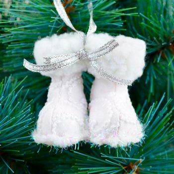 """Новогодняя подвеска Новогодько (YES! Fun) """"Сапожки"""", белая, h-5 см (973457) (5056137157792)"""