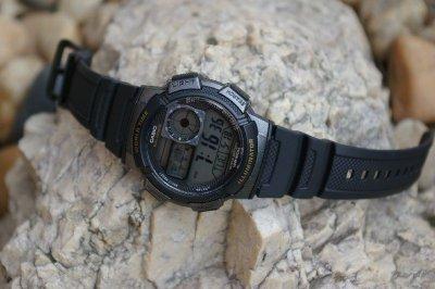 Чоловічі наручні годинники Casio AE-1000W-1AVEF