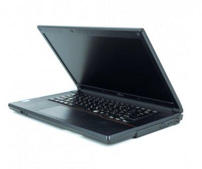 Б/у Ноутбук Fujitsu LIFEBOOK A574 / Intel Core i5-4310M / 4 Гб / HDD 320 Гб / Класс B