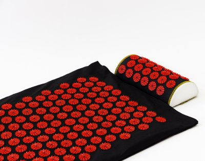 Массажный коврик с валиком (аппликатор Кузнецова) массажер для спины/шеи/головы/тела/ног OSPORT Long (apl-019) Черно-красный