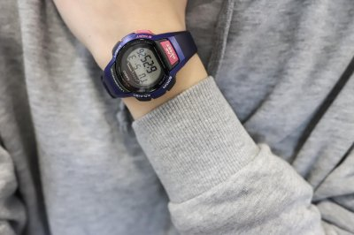 Годинник Casio LWS-1000H-2AVEF