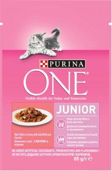Упаковка влажного корма для котят и лактирующих кошек Purina One Junior с лососем и морковью 24х85 г (7613038224473)