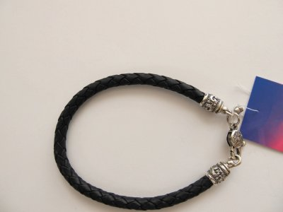 Кожаный шнурок на руку SilverArtisan 0.0050 размер 17