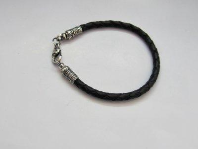Кожаный шнурок на руку SilverArtisan 1.71082 размер 18