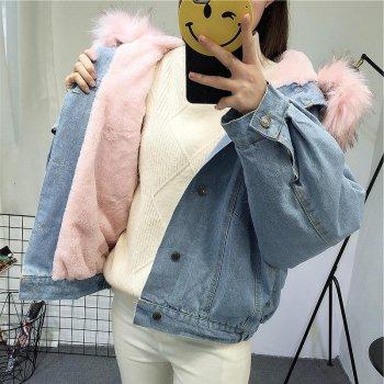 Жіноча джинсова коротка утеплена куртка Simplee з рожевим хутром