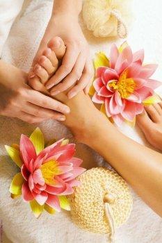 Подарунковий сертифікат на Індійський масаж стоп для двох в Молодості Студія