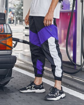 Спортивные штаны Пушка Огонь Split черно-фиолетовые