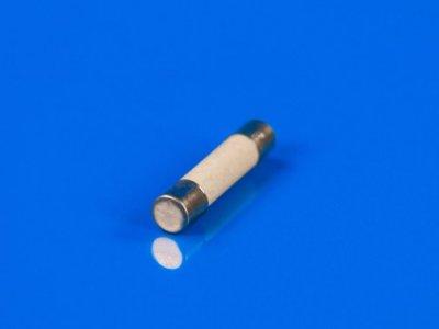 Предохранитель керамический универсальный 15 А для микроволновой печи