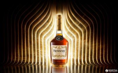 Коньяк Hennessy VS 4 года выдержки 0.5 л 40% в подарочной упаковке (3245995817111_3245990287407)