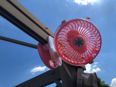 Акумуляторний портативний USB міні вентилятор на прищіпці з поворотним механізмом Mini Fan (ML-F168) Pink