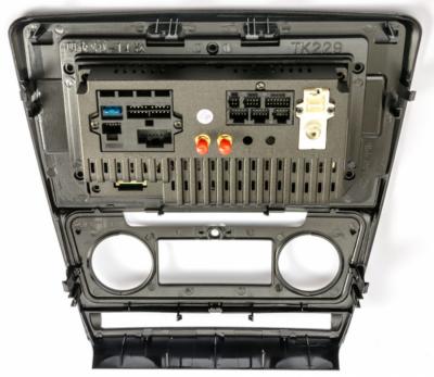 Штатна магнітола Phantom DVA-1071 K5013 Skoda Octavia A5 2008-2014