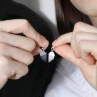 Кулони для закоханих з магнітом COUPLE NECKLACE - зображення 2
